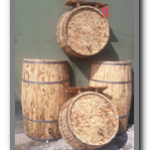 деревянные декоративные бочки для оформления магазина